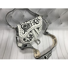 Женская сумочка Dior седло с вышивкой в белом цвете арт 20497