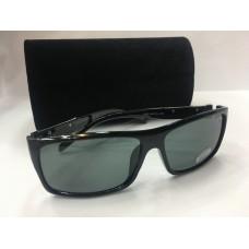 Солнцезащитные очки Gucci черные 1210