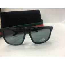 Солнцезащитные очки Gucci черные 1211
