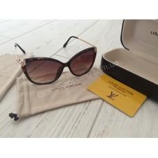 Солидные солнцезащитные очки Louis Vuitton Lux 0192