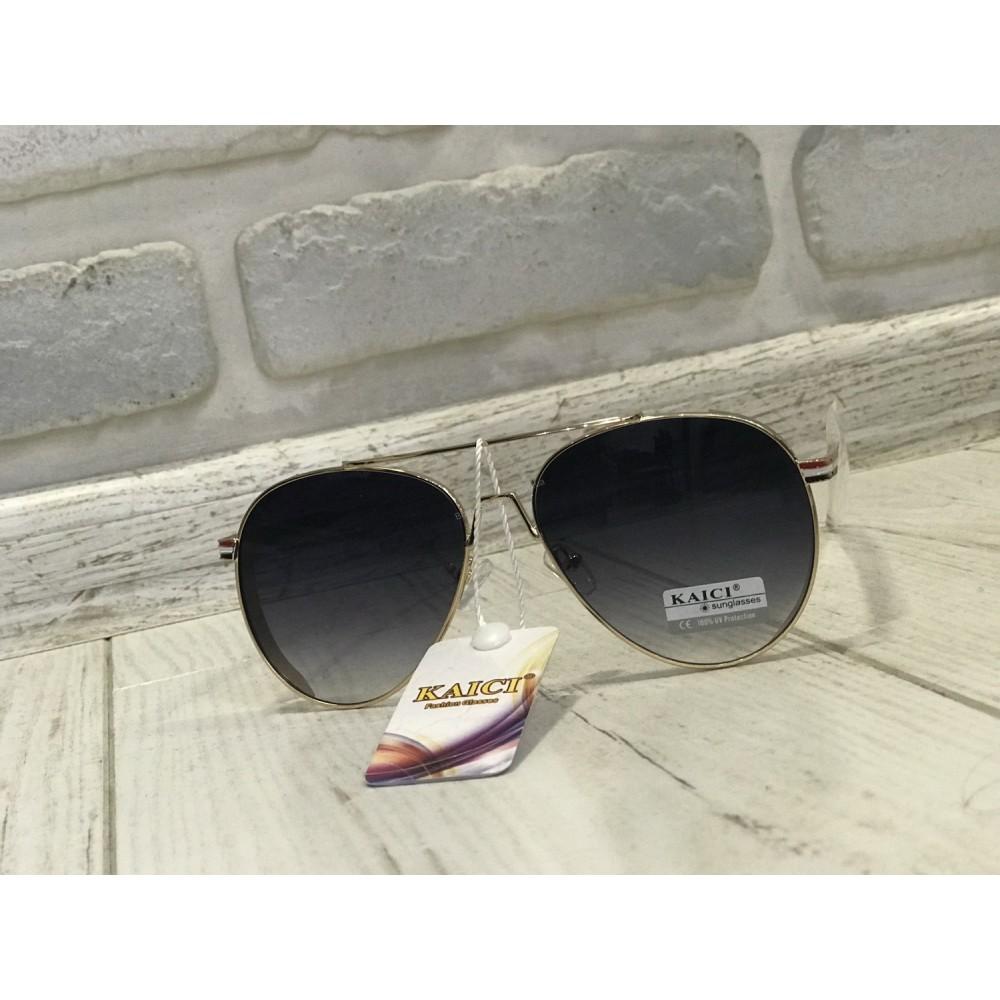 ХИТ!Солнцезащитные очки классика капли в черном цвете с металлической оправой 1753