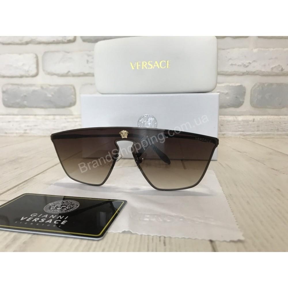 ХИТ 2018!!Шикарные солнцезащитные очки VERSACE  в коричневом цвете полный комплект 1760