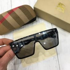 Стильные очки Burberry в полном комплекте арт21475